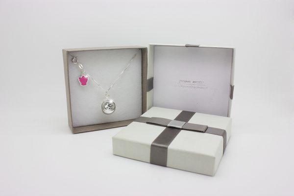 Collezione Classica ciondolo chiama angeli Bambina con collana lunga e angelo rosa idea regalo perfetta per mamme che attendono un bambina.