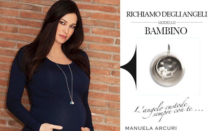 La Vip Manuela Arcuri indossa Collana originale Richiamo Degli Angeli chiama angeli bambino durante la sua gravidanza.