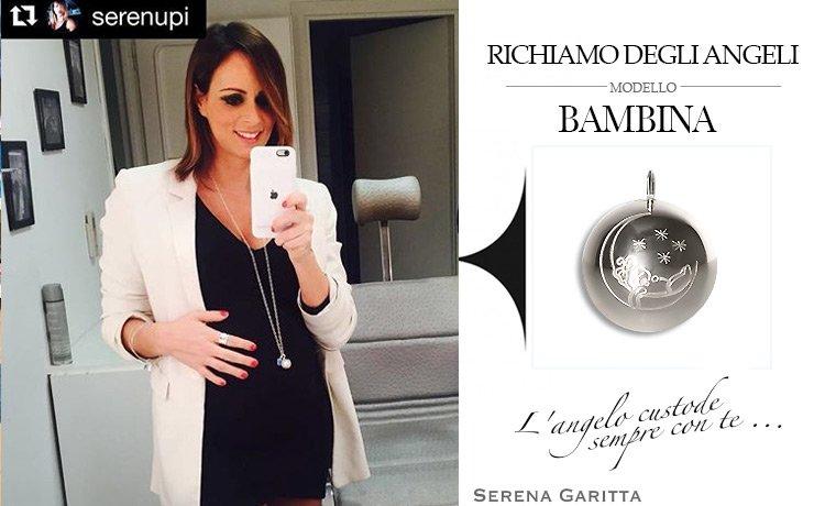 La Vip Serena Garitta ha scelto di indossare la Collana originale Richiamo Degli Angeli durante la sua gravidanza.